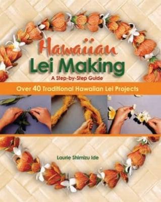 472237.HawaiianLeiMaking